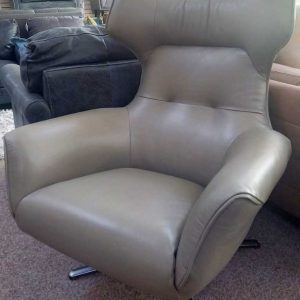 Concept – Leather Swivel Chair