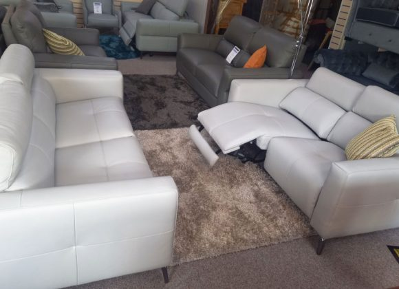 Fiorentina Volante – 3 seater & 2 seater power recliners & power headrests