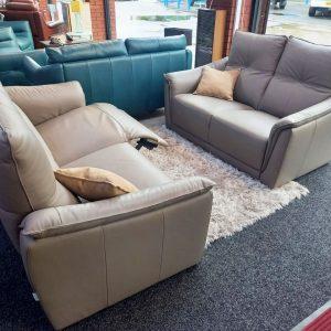 Francoferri Italia Nina – Leather 3 seater power recliner & 2 seater static